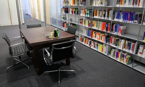 boehm_anwaltskanzlei_Bibliothek_03